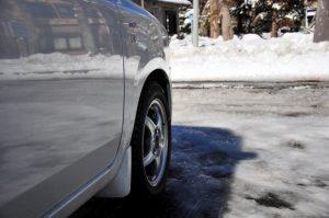 スタッドレスタイヤと雪