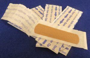 蚊に刺されてかゆいときの治し方「絆創膏」