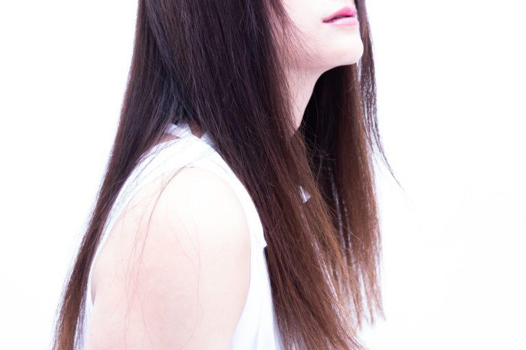 白髪の原因20代女性の場合