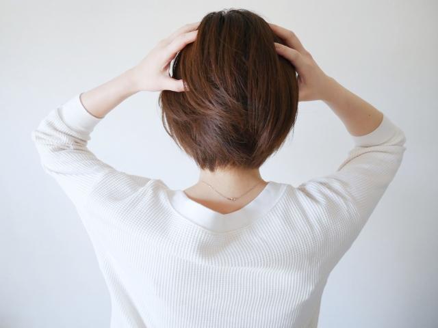 髪の毛を伸ばすには